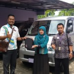 Foto Penyerahan Unit 4 Sales Marketing Mobil Dealer Daihatsu Agung
