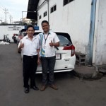 Foto Penyerahan Unit 4 Sales Marketing Mobil Dealer Daihatsu Digger