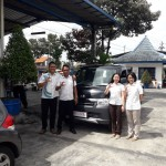Foto Penyerahan Unit 7 Sales Marketing Mobil Dealer Daihatsu Digger