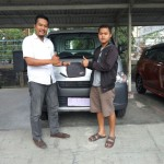 Foto Penyerahan Unit 3 Sales Marketing Mobil Dealer Daihatsu Agung